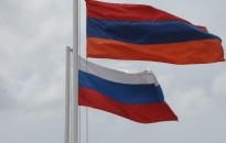 Armenian_&_Russian_flags_in_Gyumri